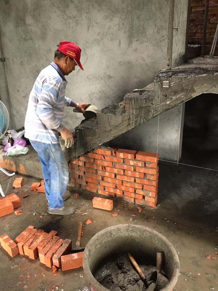 台中李大哥豪宅 自地自建 泥作吊線及粗底